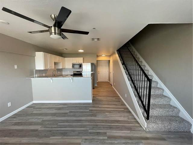 1230 SE 12th Avenue #1304, Norman, OK 73071 (MLS #952531) :: The UB Home Team at Whittington Realty