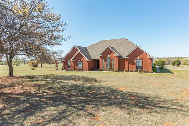 2121 E Sandpiper Drive, Blanchard, OK 73010 (MLS #952563) :: Homestead & Co