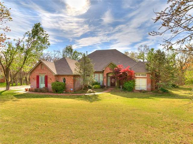 2004 Silver Crest Drive, Edmond, OK 73025 (MLS #952671) :: Homestead & Co