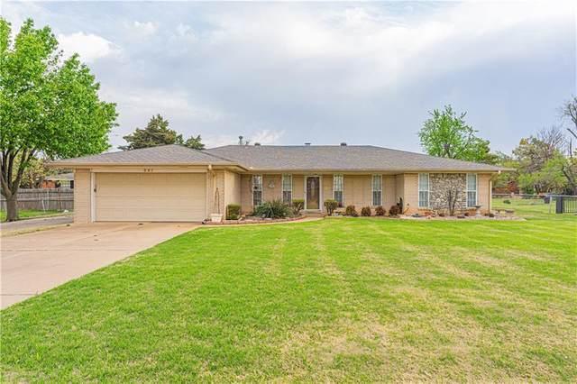 941 NW 32nd Street, Moore, OK 73160 (MLS #952783) :: Maven Real Estate