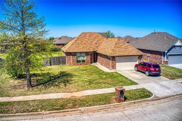 933 SW 16th Street, Moore, OK 73160 (MLS #953052) :: Your H.O.M.E. Team
