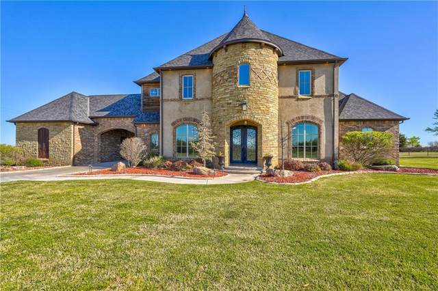 2355 La Belle Rue, Edmond, OK 73034 (MLS #954036) :: Homestead & Co