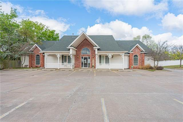 921 S Sooner Road, Del City, OK 73110 (MLS #954179) :: Homestead & Co