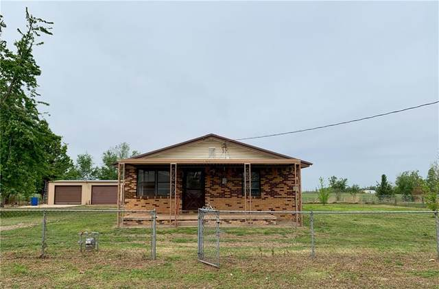 923 N 12th Street, Chickasha, OK 73018 (MLS #955198) :: Erhardt Group at Keller Williams Mulinix OKC