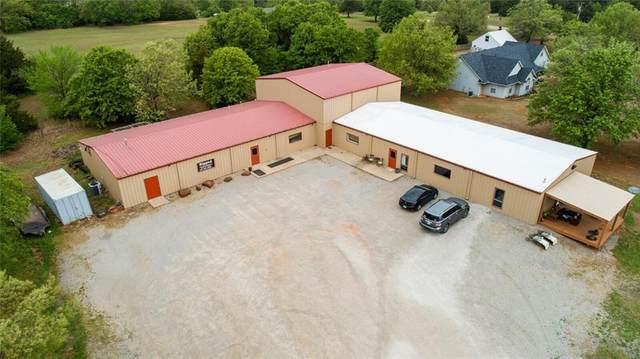 900585 S Sandy Lane, Chandler, OK 74834 (MLS #955781) :: Homestead & Co