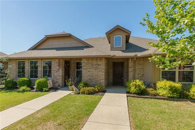 8937 SW 55th Street A & B, Oklahoma City, OK 73179 (MLS #955935) :: Homestead & Co