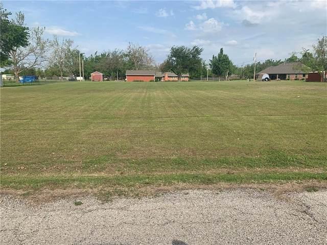 108 Marigold Drive, Tuttle, OK 73089 (MLS #956156) :: Erhardt Group at Keller Williams Mulinix OKC