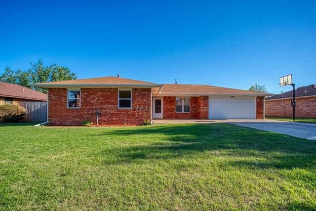 566 Sunset Drive, Watonga, OK 73772 (MLS #956683) :: Homestead & Co