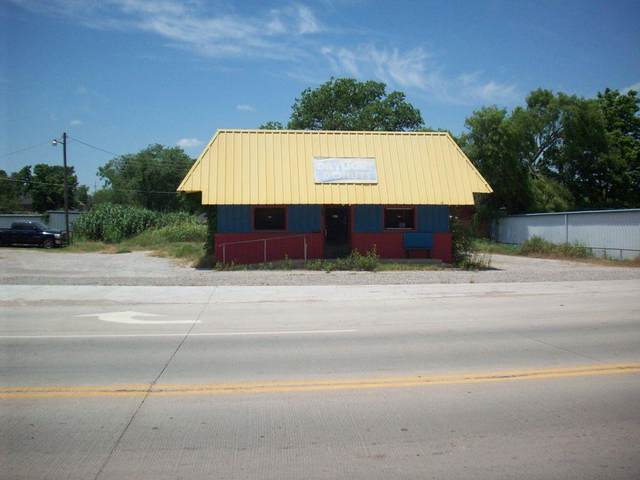 825 S Chickasaw, Pauls Valley, OK 73075 (MLS #956688) :: Keller Williams Realty Elite