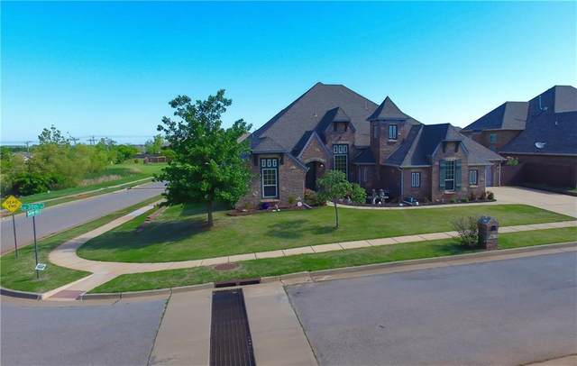 9329 SW 30th Street, Oklahoma City, OK 73179 (MLS #956712) :: Homestead & Co