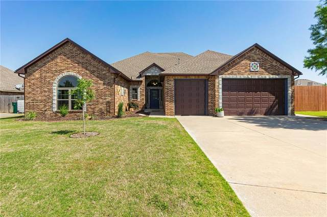 201 SW 137th Terrace, Moore, OK 73170 (MLS #957043) :: Homestead & Co