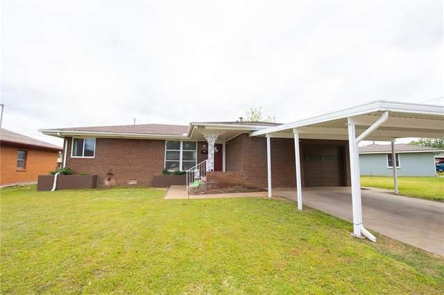 800 E Bouse Drive, Midwest City, OK 73110 (MLS #957100) :: Homestead & Co