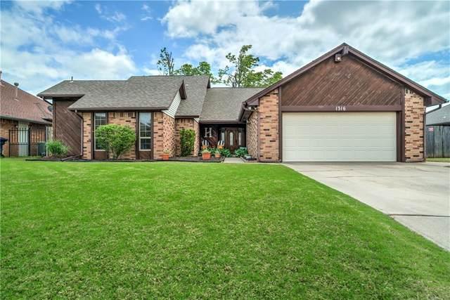 1316 SW 108th Place, Oklahoma City, OK 73170 (MLS #957448) :: Keller Williams Realty Elite