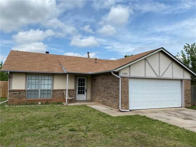 1501 NE 6th Street, Moore, OK 73160 (MLS #957736) :: Homestead & Co