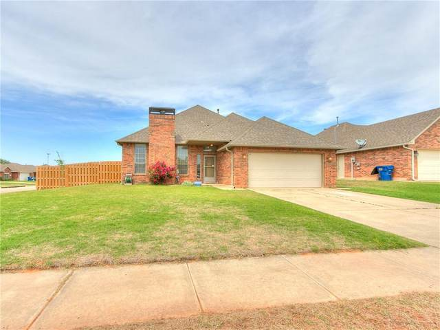 533 E Greenwood Lane, Mustang, OK 73064 (MLS #957851) :: Homestead & Co