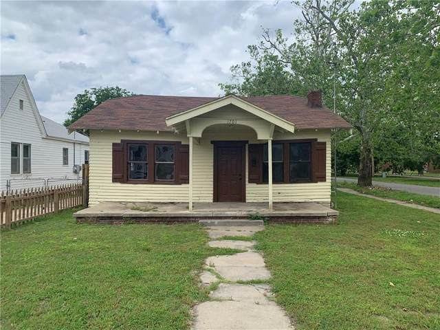 1701 SW 15th Street, Oklahoma City, OK 73108 (MLS #958018) :: Homestead & Co