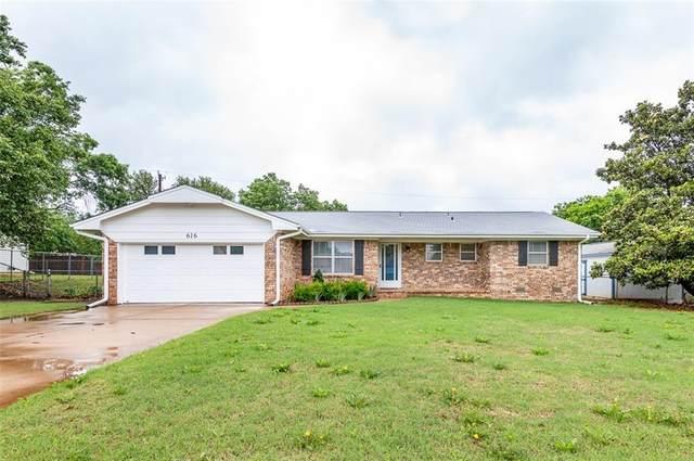 616 W Hartwood Avenue, Stillwater, OK 74075 (MLS #958398) :: Homestead & Co