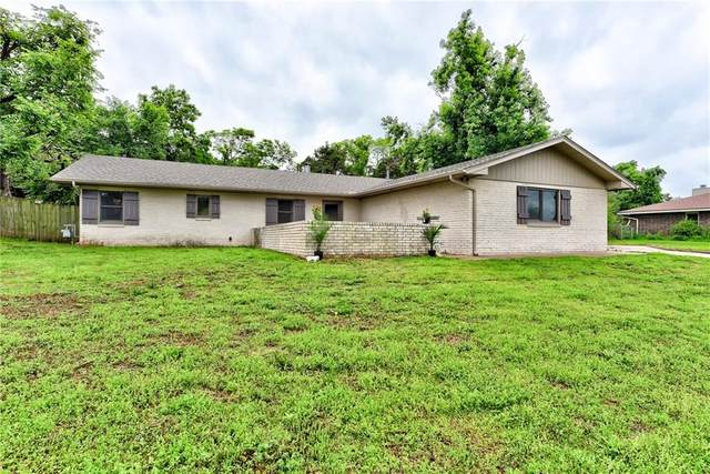 203 Stonegate Drive, Guthrie, OK 73044 (MLS #959853) :: The UB Home Team at Whittington Realty