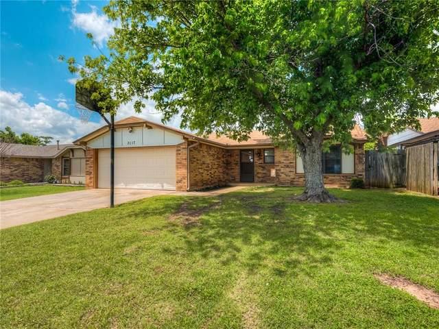 3117 SW 95 Street, Oklahoma City, OK 73159 (MLS #960137) :: The UB Home Team at Whittington Realty