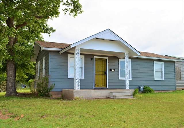1121 N Cook, Cordell, OK 73632 (MLS #960386) :: Meraki Real Estate
