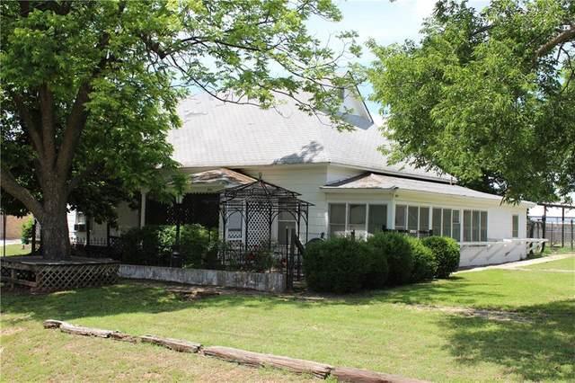 504 E 5th Street, Chandler, OK 74834 (MLS #960587) :: The UB Home Team at Whittington Realty
