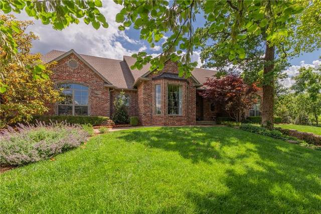 3304 E Cardinal Drive, Oklahoma City, OK 73121 (MLS #960680) :: KG Realty