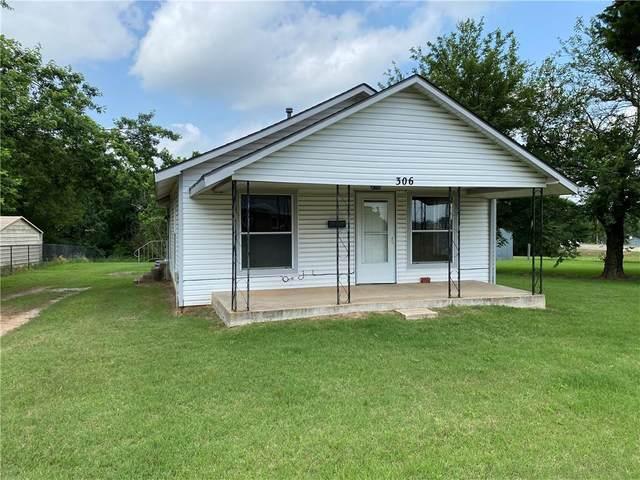 306 N 13th Street, Tecumseh, OK 74873 (MLS #961368) :: Homestead & Co