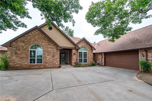 4716 Crystal Lakes Road, Norman, OK 73072 (MLS #961639) :: Your H.O.M.E. Team