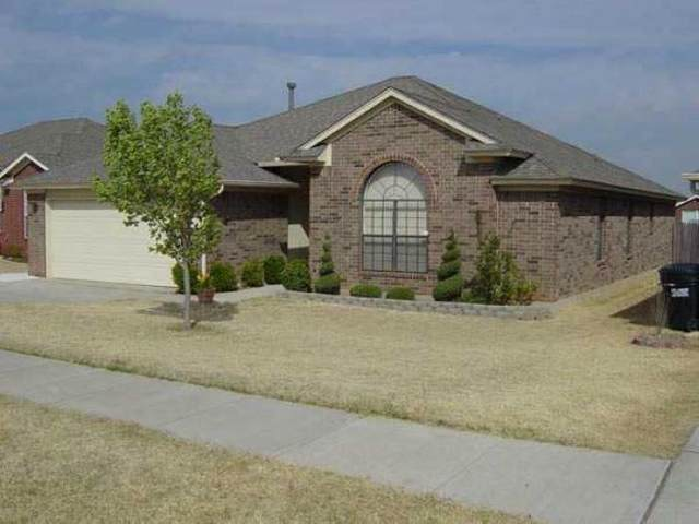 2404 Augusta Drive, Moore, OK 73160 (MLS #961705) :: The UB Home Team at Whittington Realty