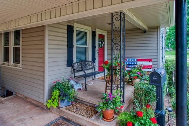 911 S 7th Street, Kingfisher, OK 73750 (MLS #961784) :: Maven Real Estate