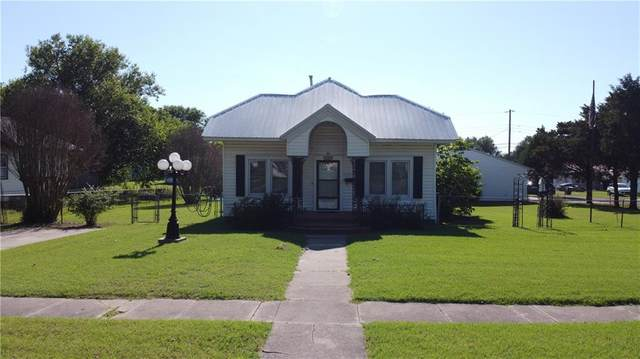 509 N 4th Street, Okemah, OK 74859 (MLS #962388) :: Homestead & Co