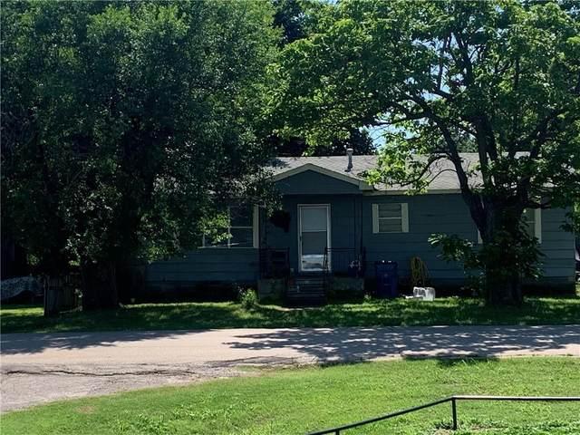 805 SW 4th Street, Lindsay, OK 73052 (MLS #962591) :: Erhardt Group at Keller Williams Mulinix OKC