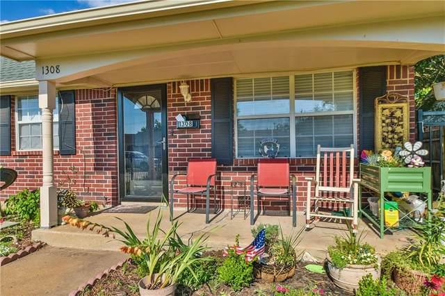 1308 Lawton Avenue, Moore, OK 73160 (MLS #962927) :: The UB Home Team at Whittington Realty