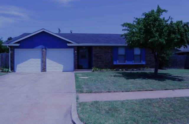 1018 N Lincoln Avenue, Moore, OK 73160 (MLS #963028) :: The UB Home Team at Whittington Realty