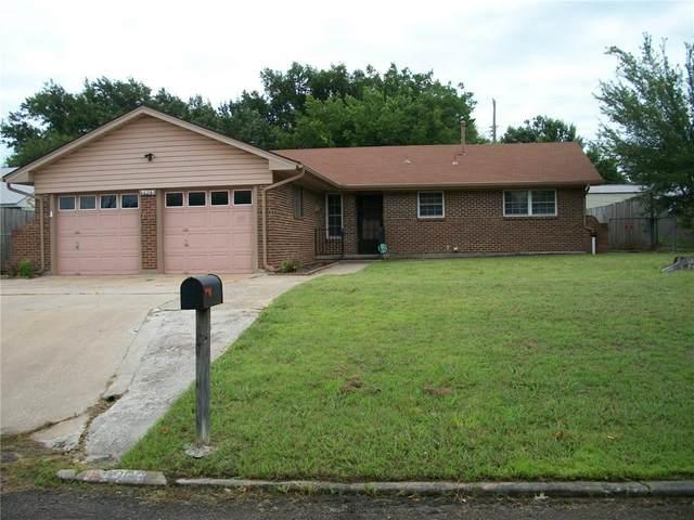 3903 N Chapman Avenue, Shawnee, OK 74804 (MLS #963321) :: Erhardt Group at Keller Williams Mulinix OKC