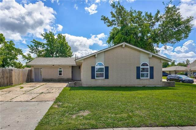 1061 NW 2nd Street, Moore, OK 73160 (MLS #964358) :: ClearPoint Realty