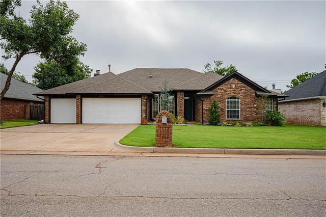 11736 Blue Moon Avenue, Oklahoma City, OK 73162 (MLS #965162) :: The UB Home Team at Whittington Realty
