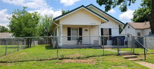 1111 S 13th Street, Chickasha, OK 73018 (MLS #965905) :: Sold by Shanna- 525 Realty Group