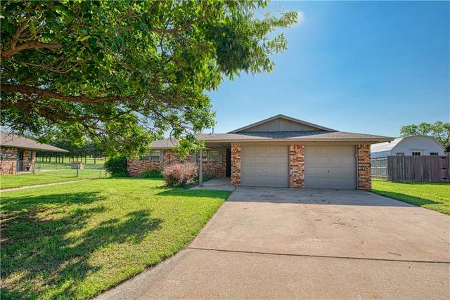 2060 W 7th Place, Elk City, OK 73644 (MLS #966458) :: Sold by Shanna- 525 Realty Group