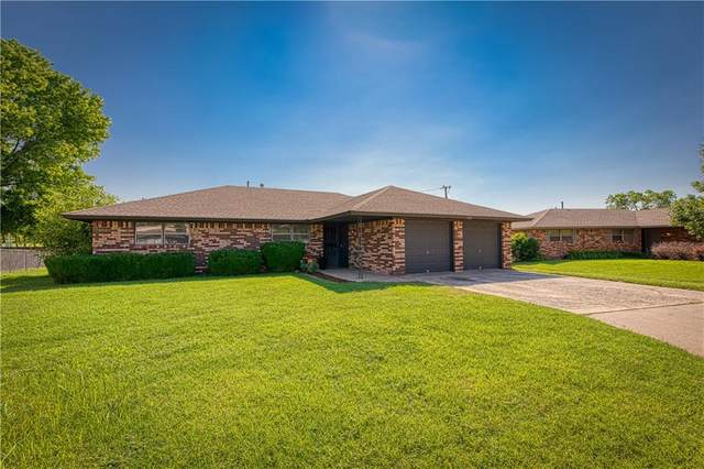 2062 W 7th Place, Elk City, OK 73644 (MLS #966463) :: Sold by Shanna- 525 Realty Group