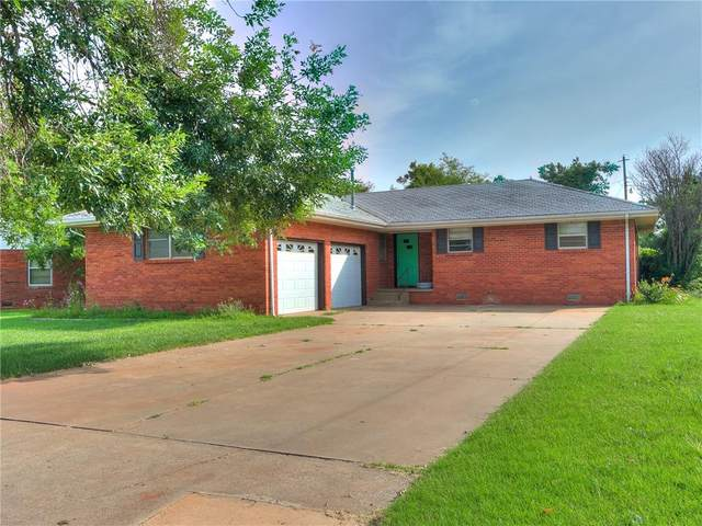 1107 Clearview Drive, Kingfisher, OK 73750 (MLS #966790) :: Homestead & Co
