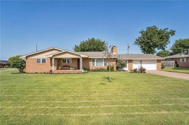 1801 N 2nd Street, Sayre, OK 73662 (MLS #967004) :: Homestead & Co