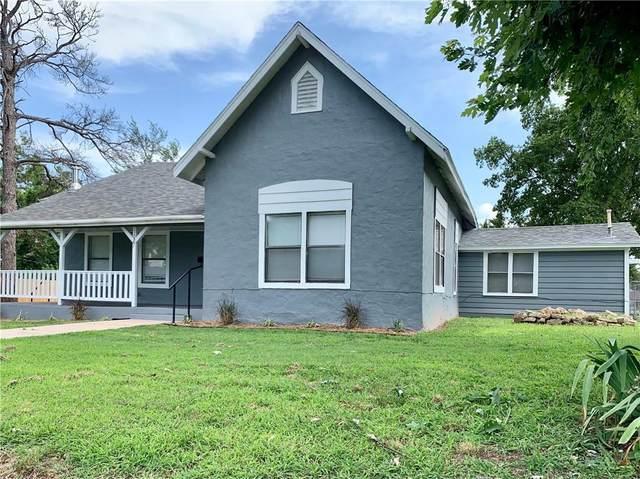 1027 W Kansas Avenue, Chickasha, OK 73018 (MLS #967246) :: The UB Home Team at Whittington Realty