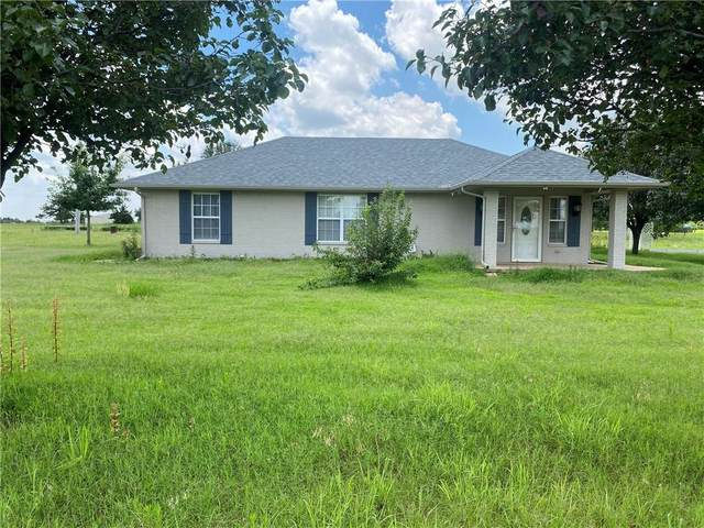 900 S Pennsylvania Avenue, Guthrie, OK 73044 (MLS #968291) :: Sold by Shanna- 525 Realty Group