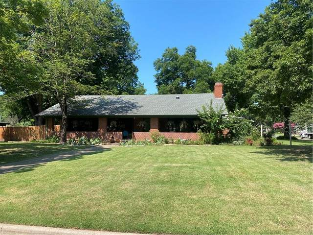 600 Broad Lane, Norman, OK 73069 (MLS #968406) :: Homestead & Co