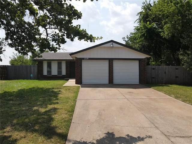 1229 SE 24th Street, Oklahoma City, OK 73129 (MLS #968609) :: Sold by Shanna- 525 Realty Group