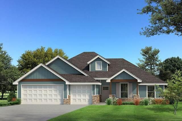 1513 NE 35th Street, Moore, OK 73160 (MLS #968821) :: The UB Home Team at Whittington Realty