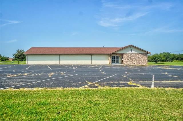 3800 N Market Avenue, Shawnee, OK 74804 (MLS #969039) :: The UB Home Team at Whittington Realty