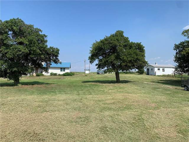 20020 N Niles Road, Geary, OK 73040 (MLS #969468) :: The UB Home Team at Whittington Realty