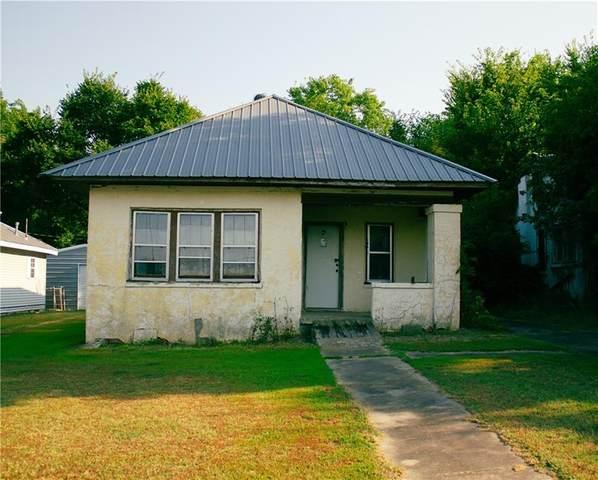 321 E Monroe Street, Maud, OK 74854 (MLS #969496) :: Meraki Real Estate